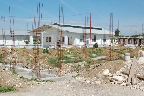 Haiti il lavoro continua completate 4 nuove casette for Nuove planimetrie per la costruzione di case